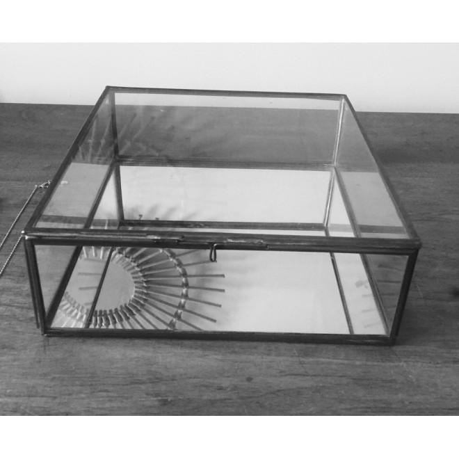 Grande boite à bijou en verre fond miroir et laiton