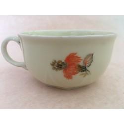 petite tasse en porcelaine vintage