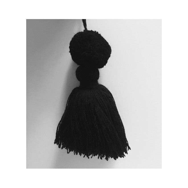 Pompon noir pampille