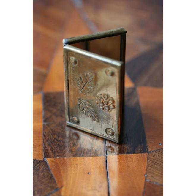 Miroir de poche à livre ouvert