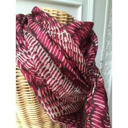 foulard en soie impression graphique