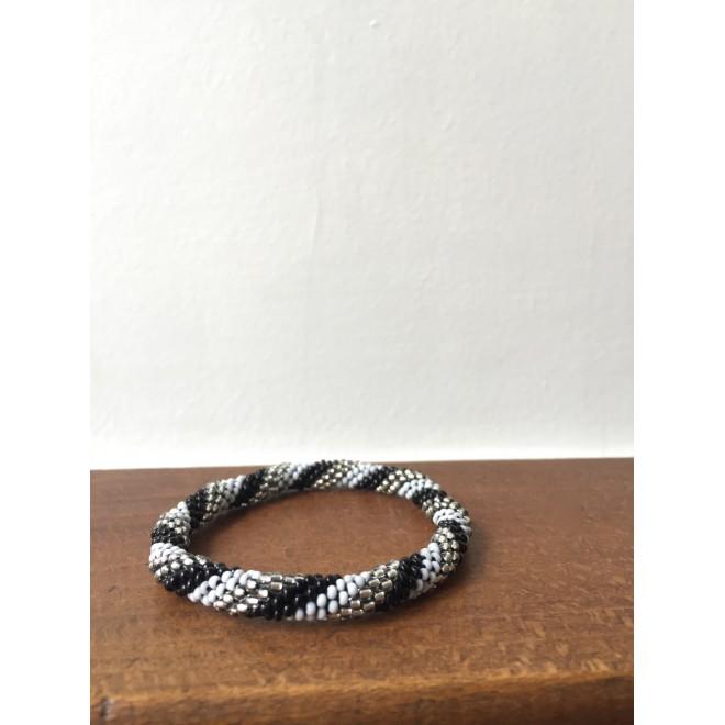 IN bracelet perle gris,argenté&noir