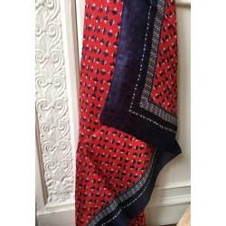 foulard en soie noir&bleu impression graphique