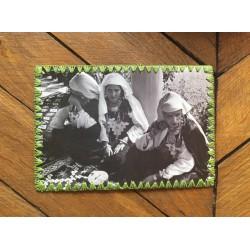 Carte postale bords brodés